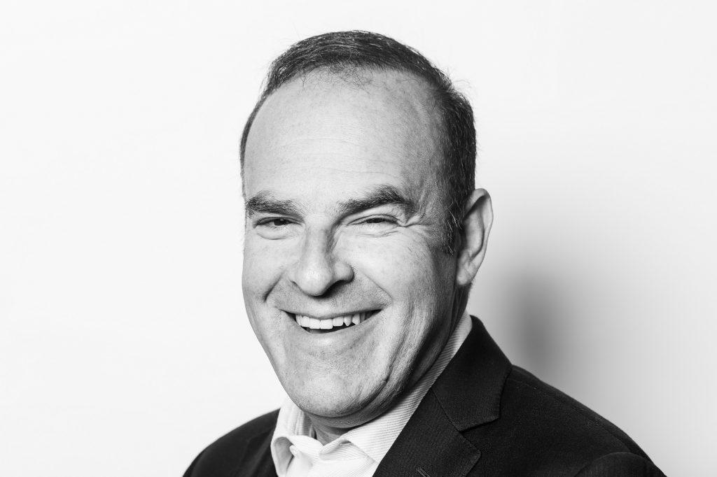 Антъни Барунас - вицепрезидент и управляващ директор на Motorola за Европа