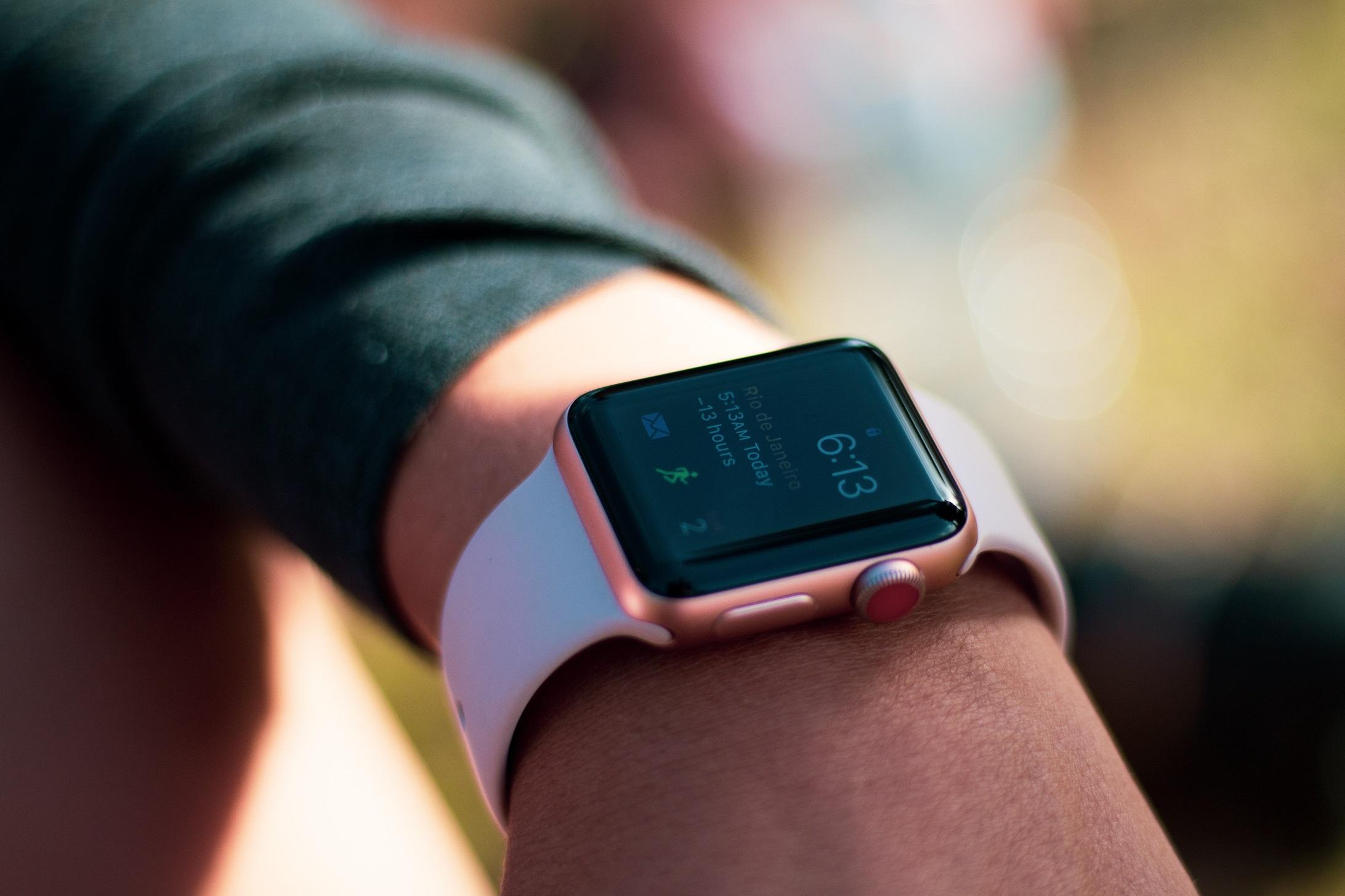 Умни часовници apple-watch