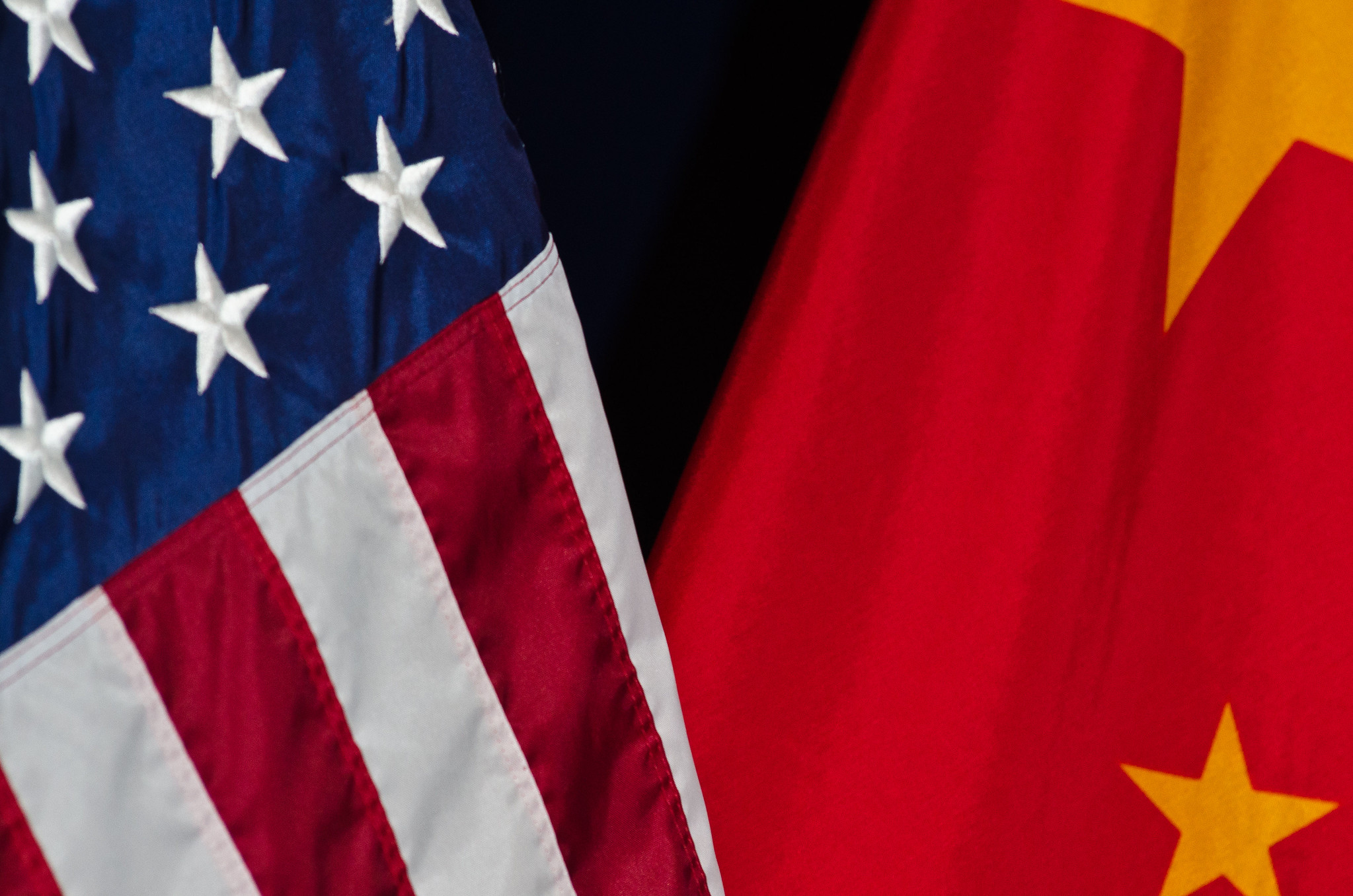 usa-china-flags
