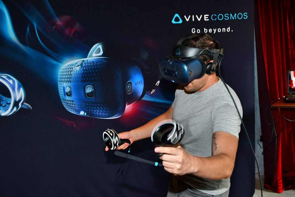 HTC Vive Cosmos 5