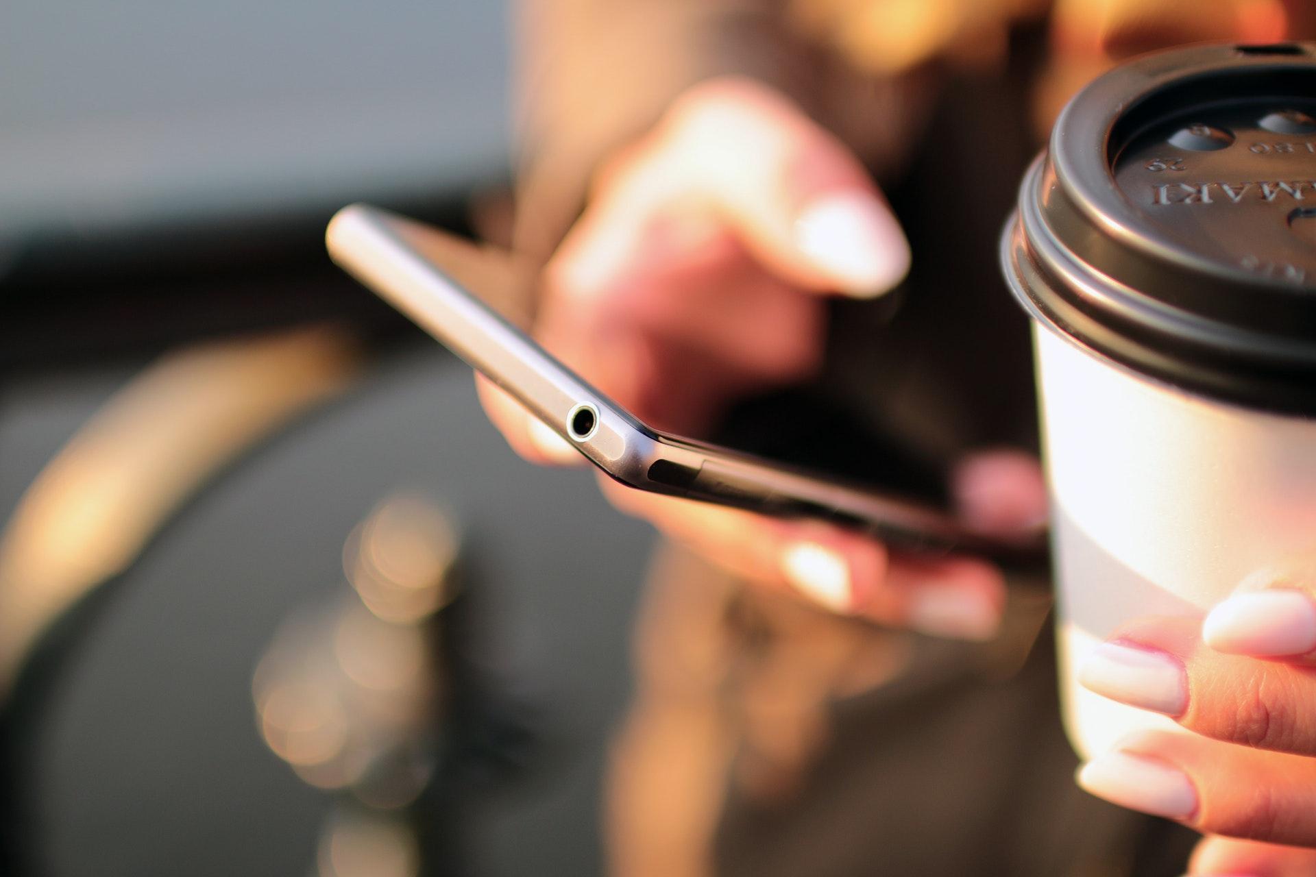 smartphone-cofee