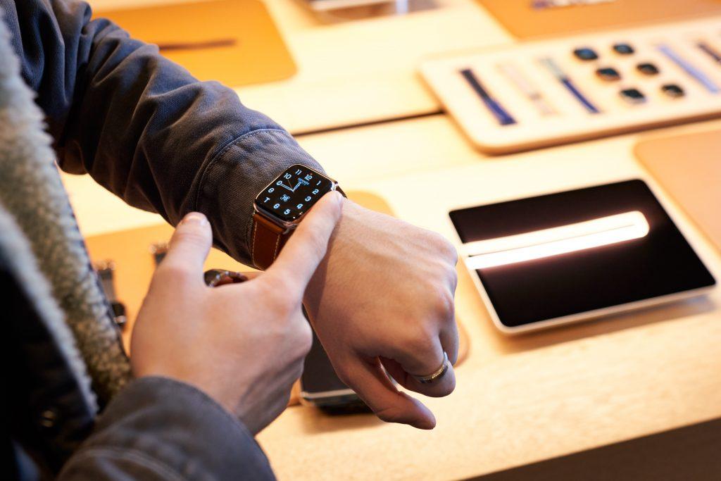 Apple-Watch-5-1