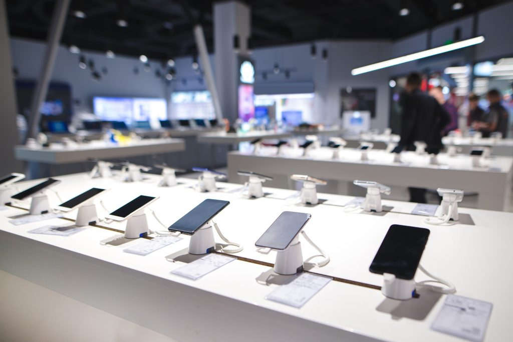 stck-smartphone-sales