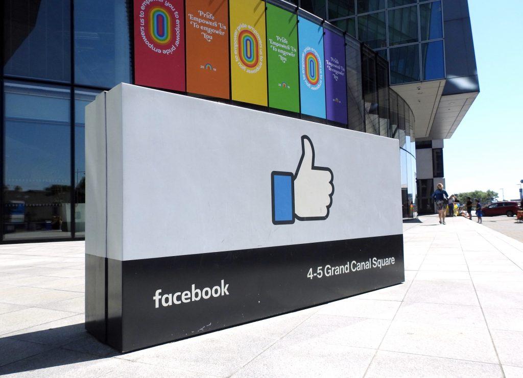 stck-facebook-like-sign