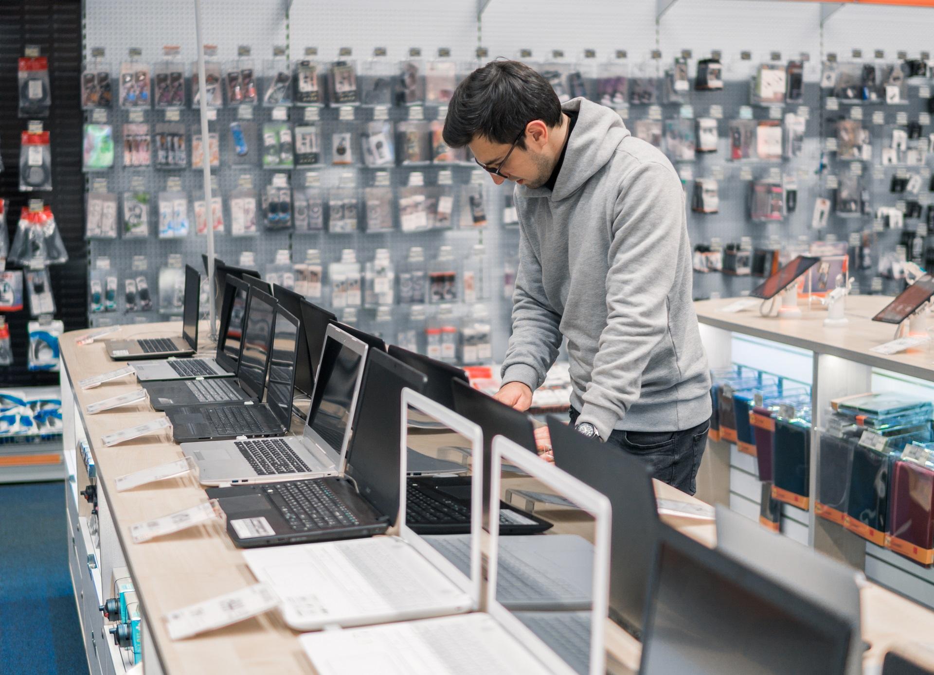 stck-laptop-sales