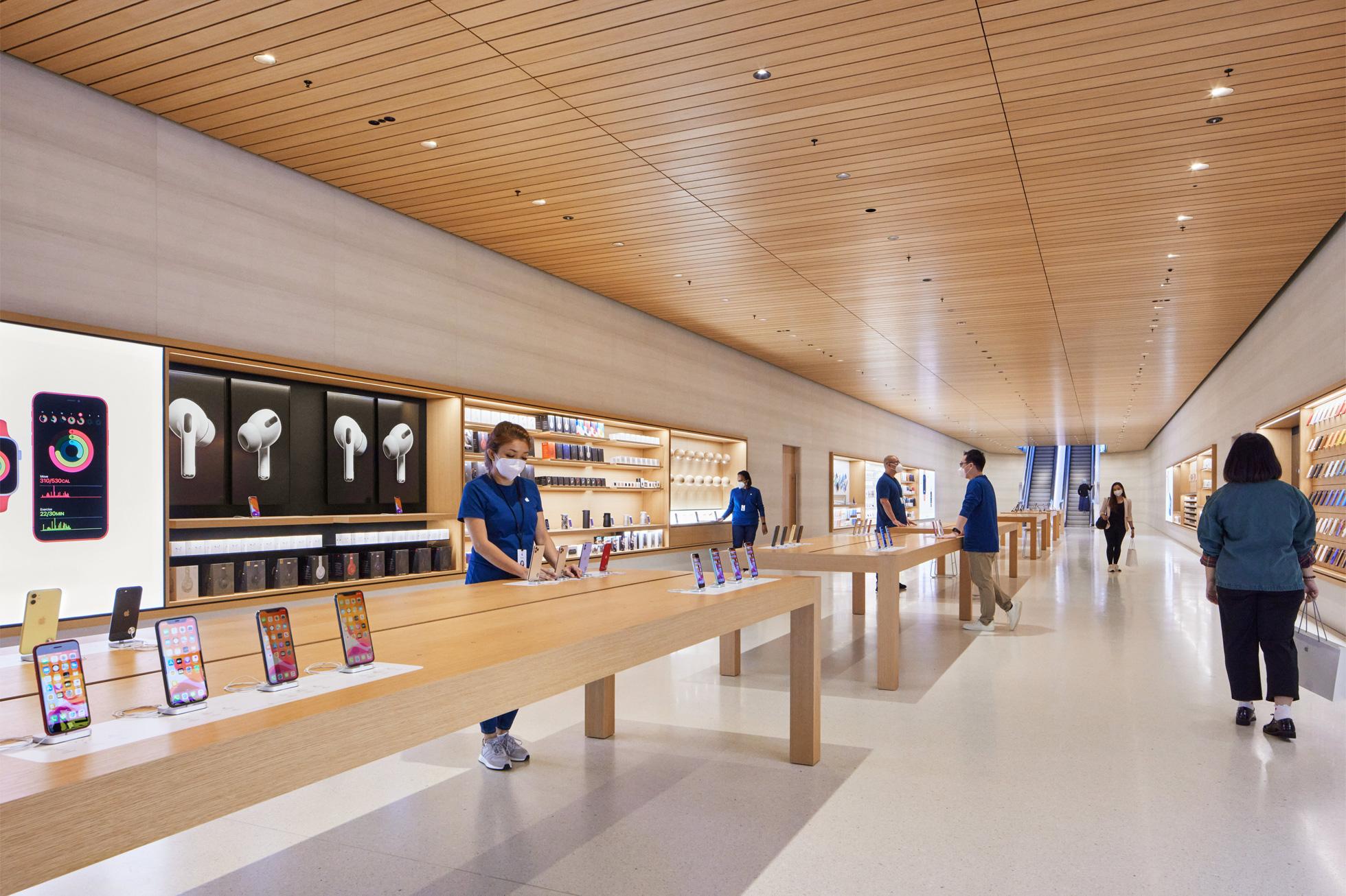 apple-store-covid