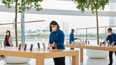 apple-store-smartphone-sales-cut