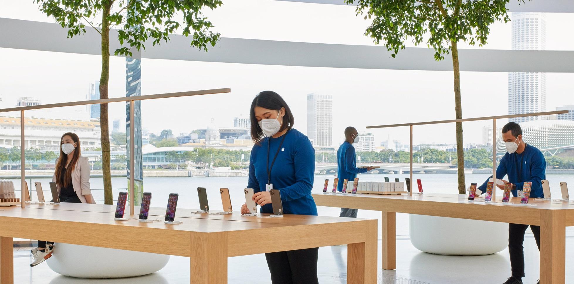 apple-store-smartphone-sales-cut