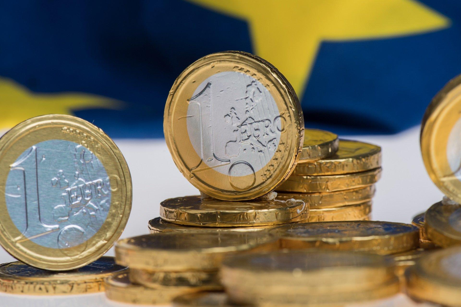 euro-coins-star