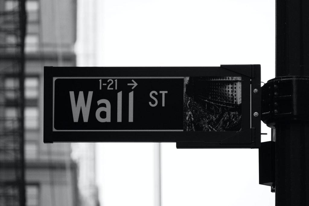 wallstreet-sign