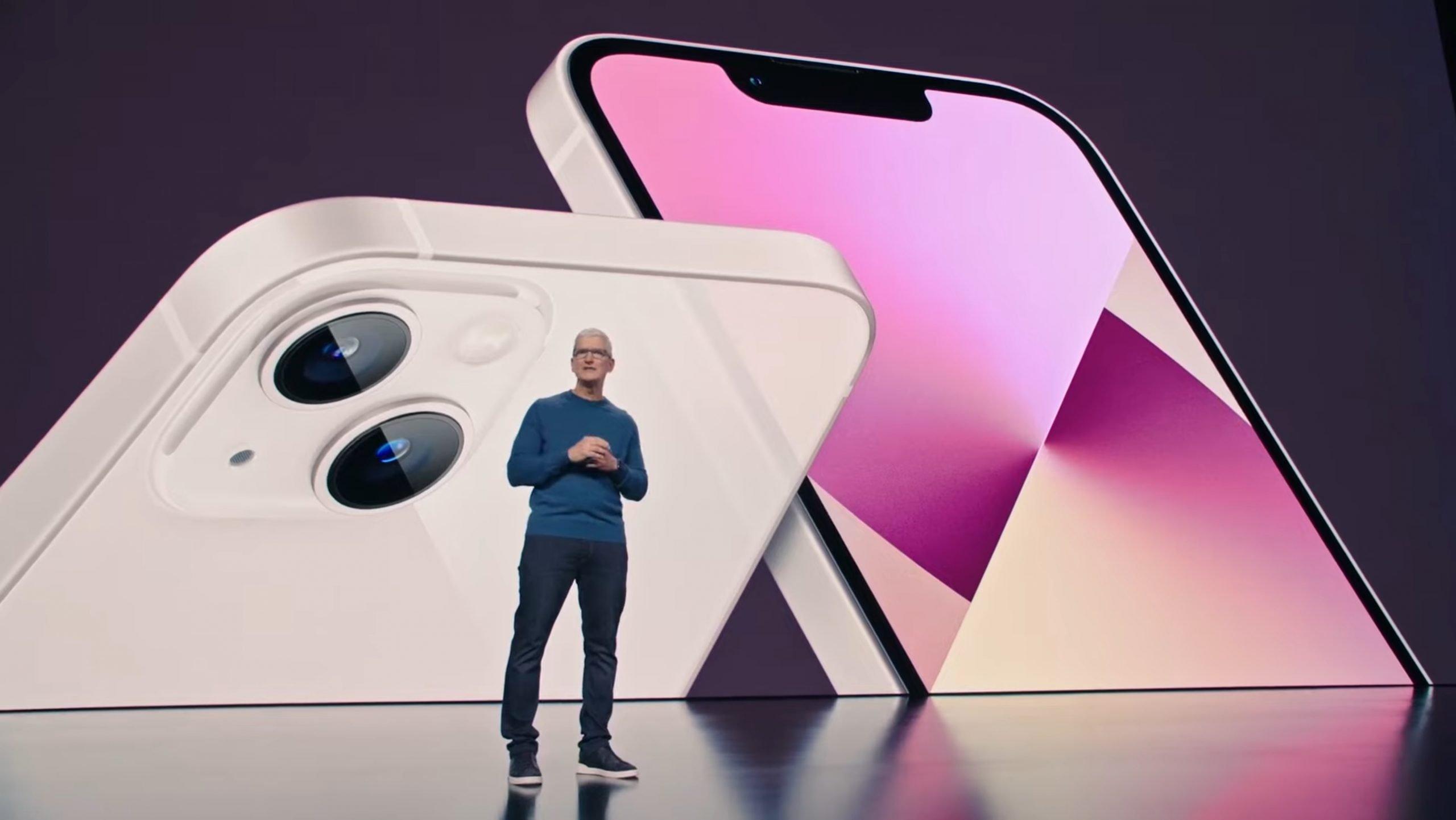 Apple_iphone13_Tim-Cook